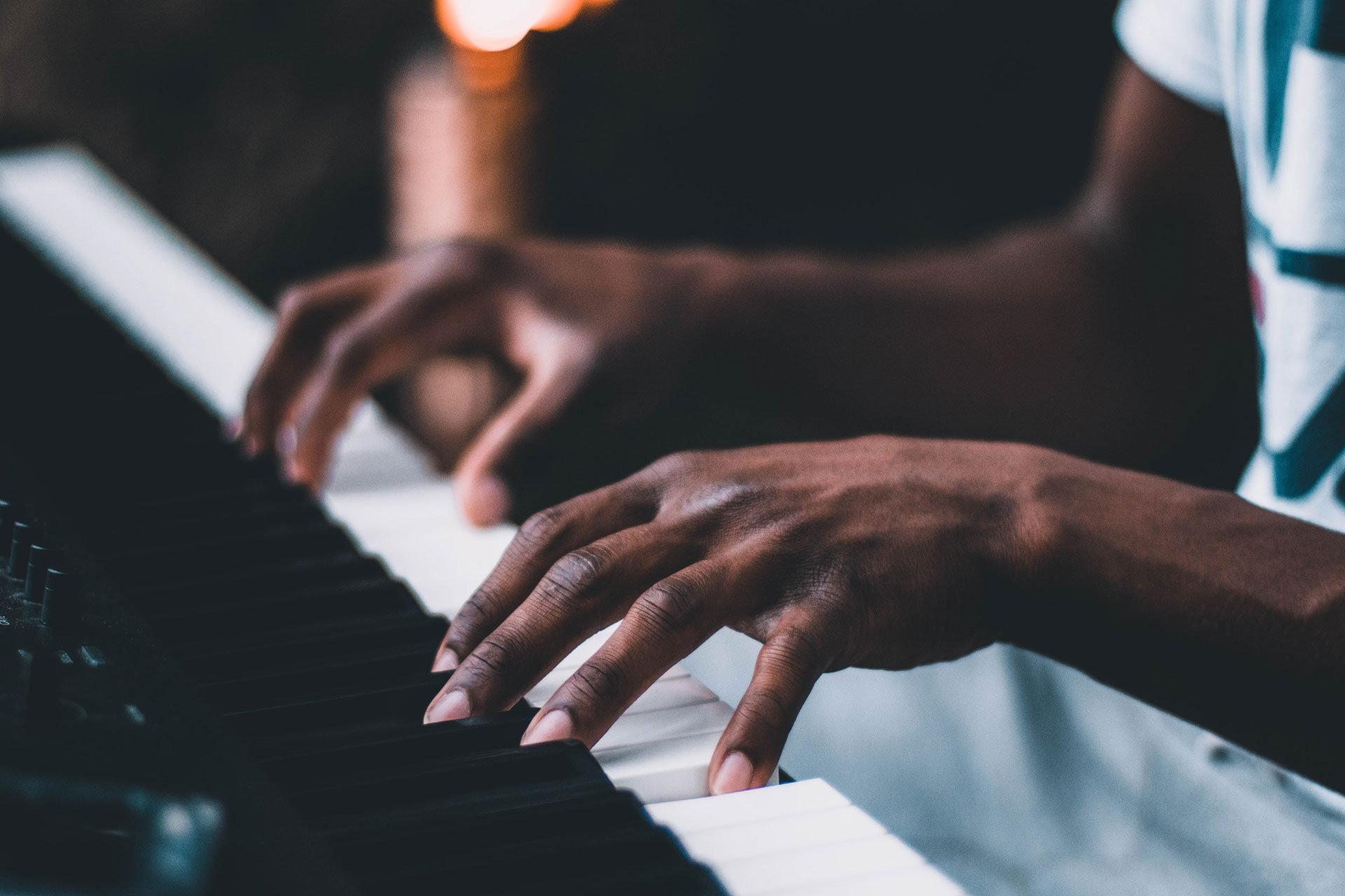 piano-ology-how-your-body-and-the-piano-work-together-featured-photo-by-austin-pacheco-on-unsplash